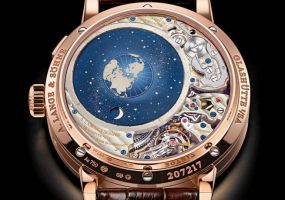 watch_snob_moon_phase_display_1092507_twobyone